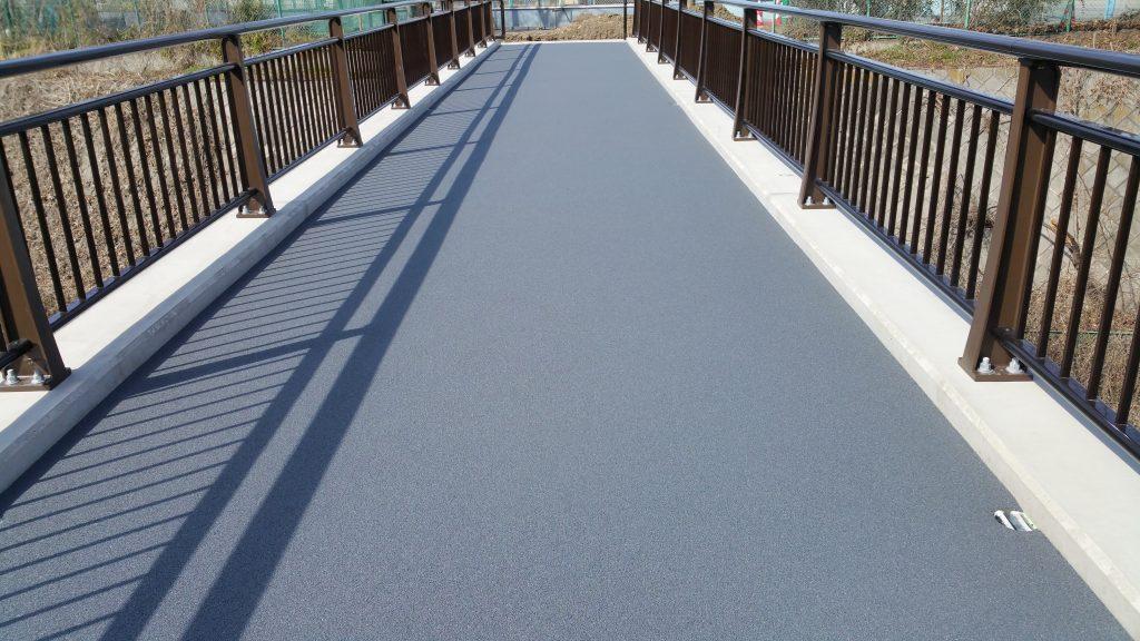 高崎 橋梁 ゴムチップ舗装|施工後