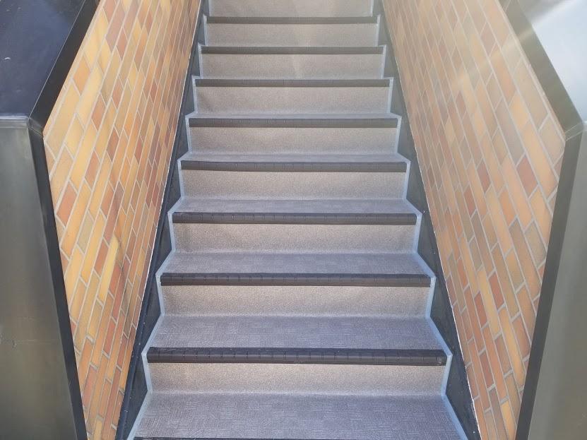 高崎市 Gアパート様 階段部 長尺シート|施工後